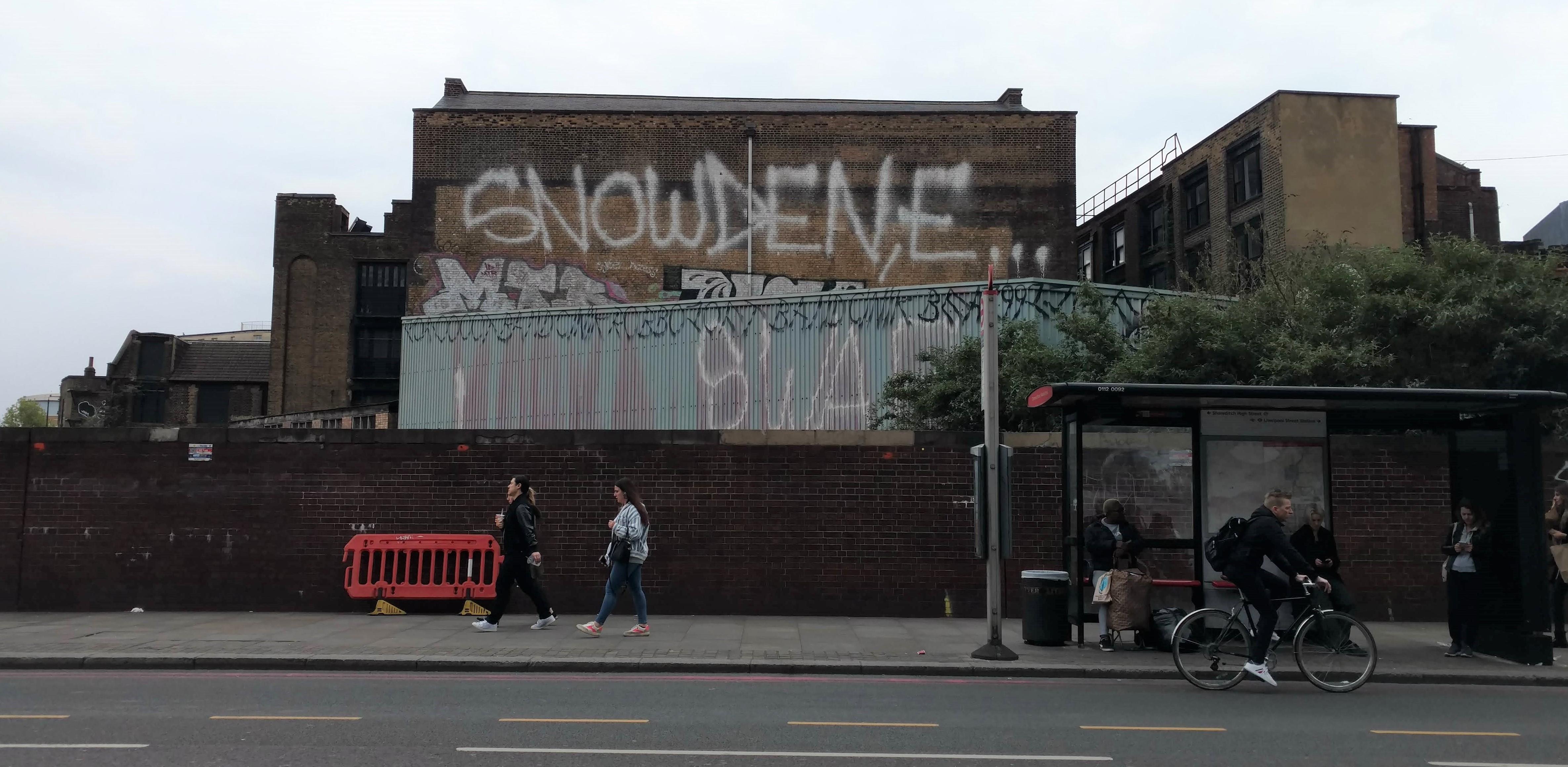 graffiti - SNOWDEN, E...